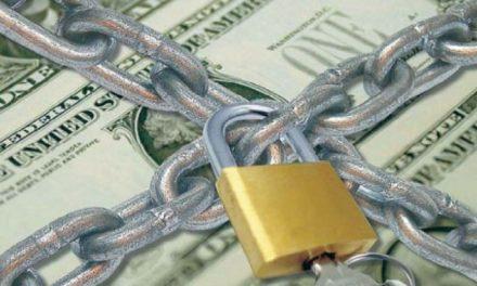 En un año la compra de dolares cayó un 99%